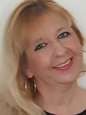 Lisa Loops (passport Surname Burridge )