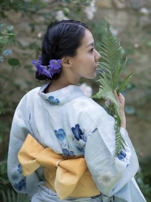 2018 Natsumi kimono · By: Simon Richardson