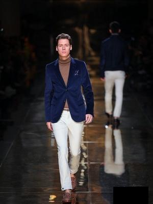 2018 Gucci Catwalk · By: Gucci In-House