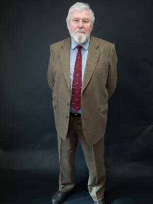 2018 Full Length - in tweed suit · By: Oliver Woolley