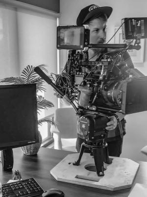 2018 Camera Operating · By: Matthew Abravaya