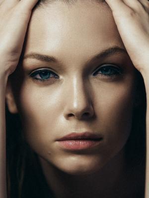2018 Fashion beauty portrait · By: Serban Vasilescu