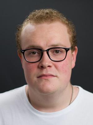 Toby  Hampton