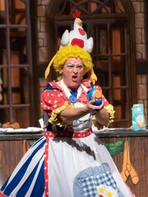2019 Sarah The Cook in Dick Whittington · By: Helen Wright
