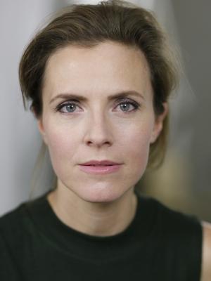 Anne Orvelin Headshot 14