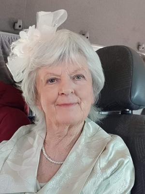 2019 Glamorous granny · By: Gleb
