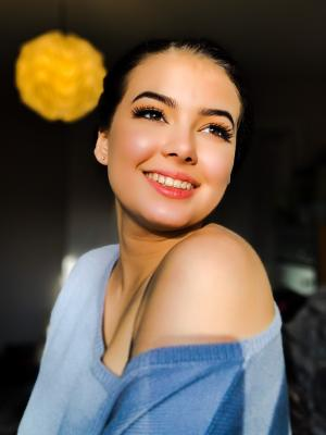 Alyssa Buzenus
