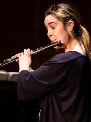 Sienna - flautist