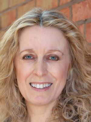 Amanda Bray