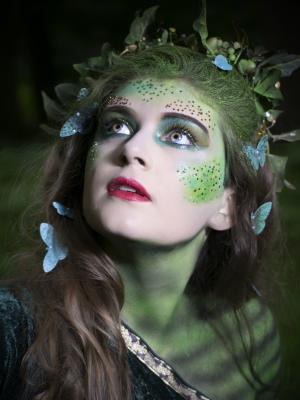 2018 Fantasy closeup-saffra M · By: Esteves Photography