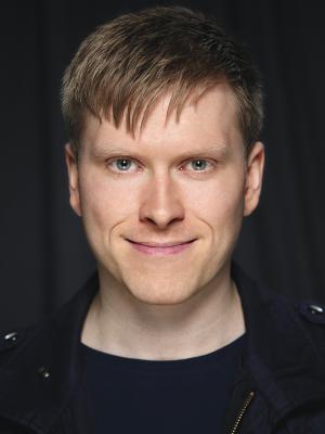 2019 Eirik Knutsvik, Clean Shaven · By: Yarmolich Photography