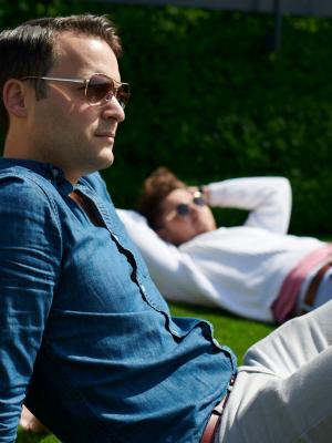 2019 Relaxing on Grass · By: Daragh