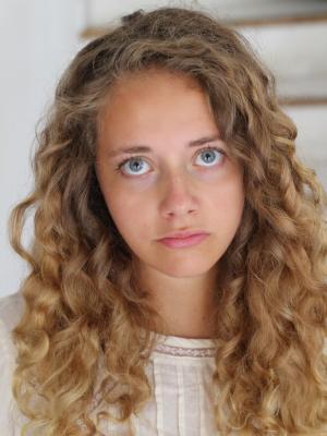 Sara Touboul