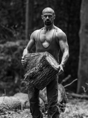 2019 log carry · By: Johnny Hathaway photography