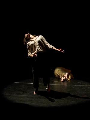 2017 Don't Let the Bed Bugs Bite, choreographer Greta Gauhe · By: Rodrigo Cardoso