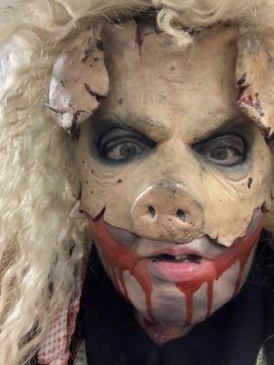 Momma Hog at Twin Lakes Extreme scream