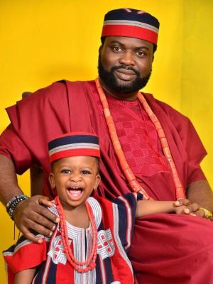 2019 With Son, Tommy · By: Akin Rotimi Studios