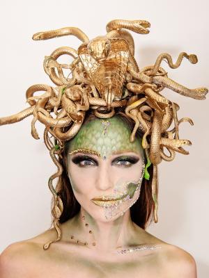 "2019 Medusa  |  MUA:  Beth Fox in collaboration with chief MUA:  Vanessa Davis, ""The Skulltress"" · By: Louise Jolley"
