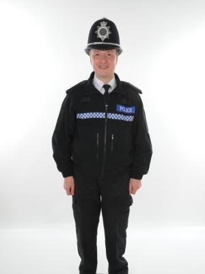 Police Officer (Full view)