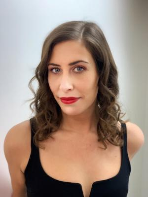 Laura Tindle Headshot