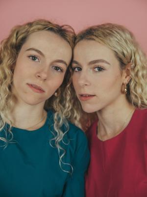 2019 Twin Shoot · By: Tara Rooney