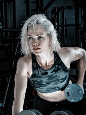 Fitness headshot (gym - weights)