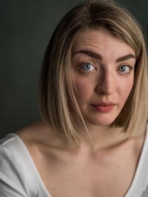 2020 Laura Hawkyard · By: Yellow Belly Photo