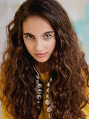 headshot curly hair