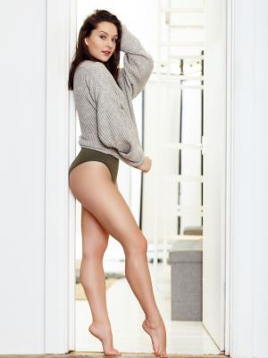 Niamh Ashley - Body Shot