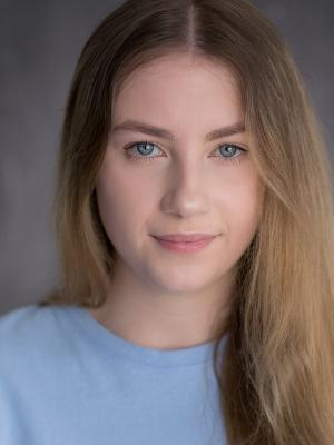 Madeline Percival Headshot 4