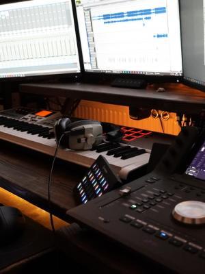 2020 Studio - Desk · By: Christopher Caplin