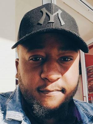 Monde Mashigo, Editor