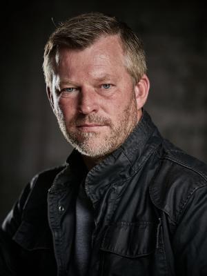 Chris D Renaud