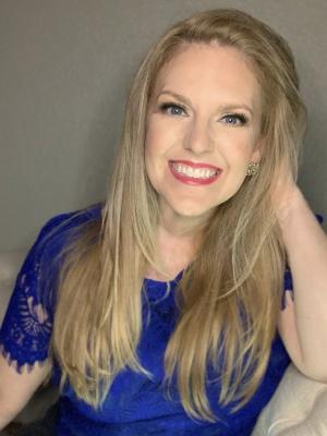 Courtney Perna headshot