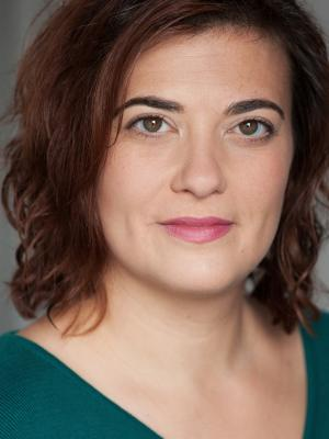Clare Cameron Headshot