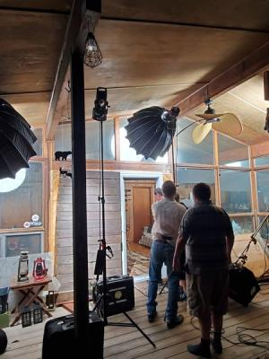 2020 Int - Day (night time) - Arri Skypanel + Aputure 120d and 300d · By: Renato Villas