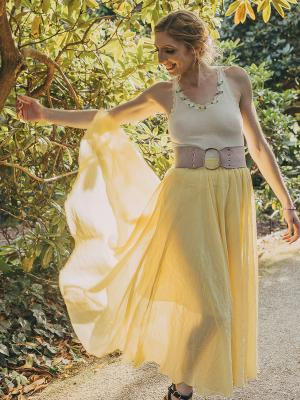 2020 Emma Bryant Flowers · By: Tara Rooney