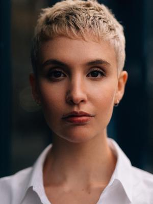 Lana MacIver