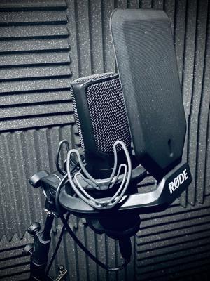 Home studio | RØDE NT-USB microphone | Shock-Mount | Pop Shield