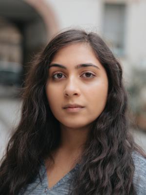 Chaya Gupta Headshot2