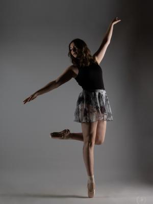 Brooke Nov 2020 Dance Shoot on pointe