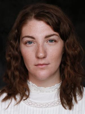 2019 Izzie Smith - Headshot · By: Imperia Staffieri