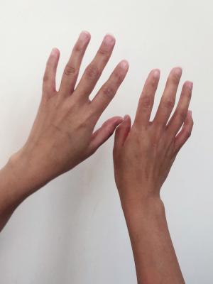 Hands (back)