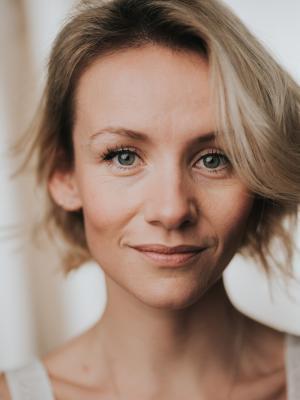 Nicole Evans, Actor