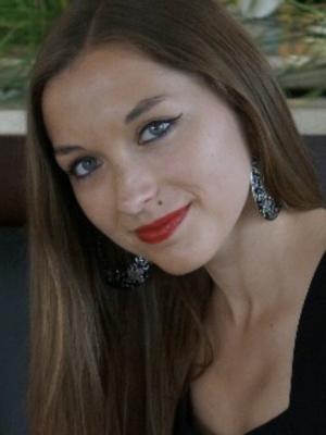Violeta Brodovskaja, Lead Vocalist