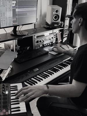 Danny Snow, Composer