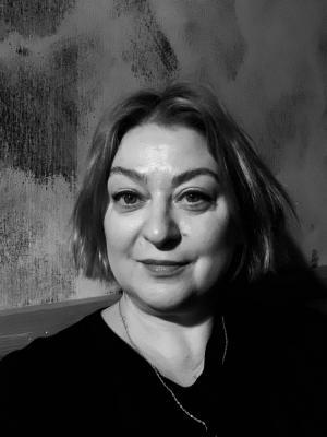 Lisa Brindley, Wardrobe Manager