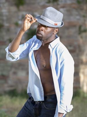2019 Half body shot with hat · By: Patrice Texier