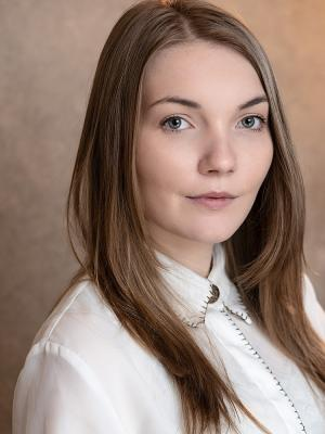 Leah Wallace headshot 2021
