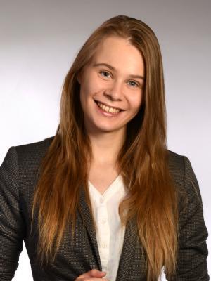 Mara Hörnschemeyer, Assistant Stage Manager